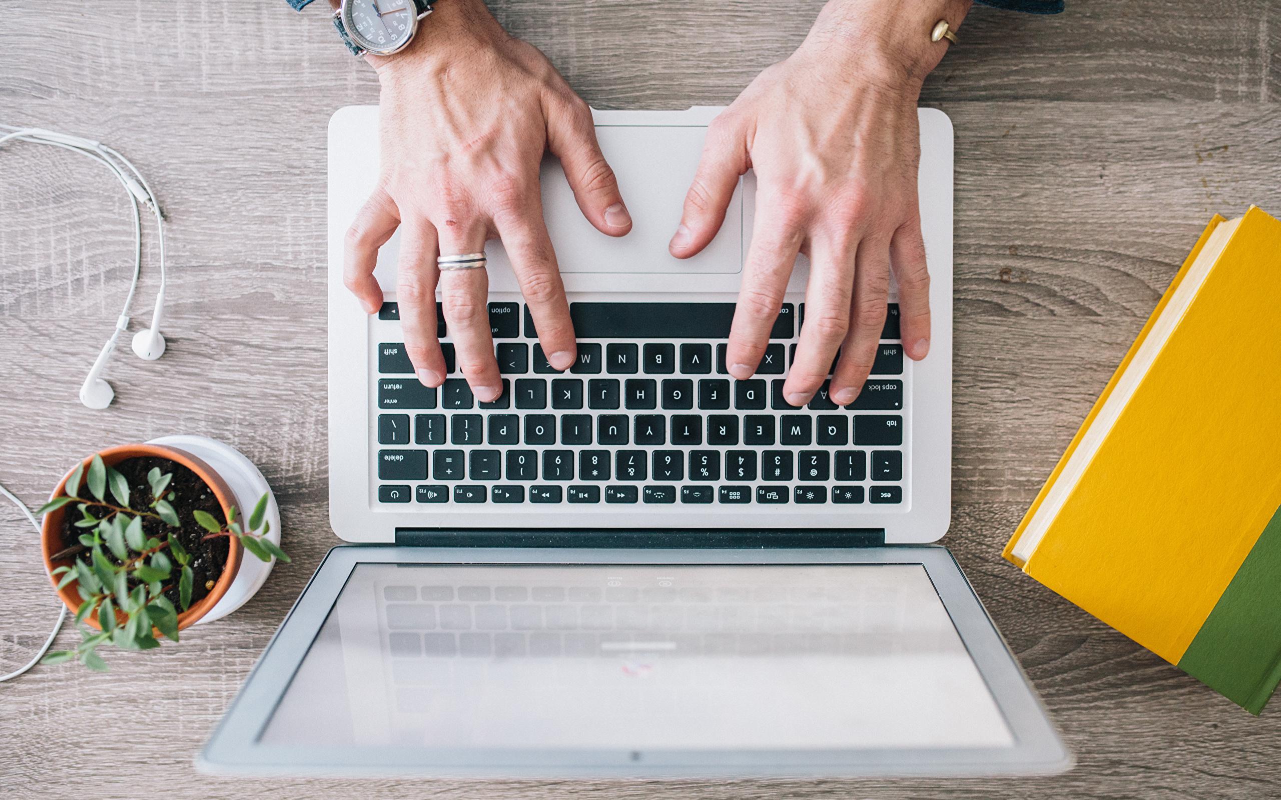 Laptops_Hands